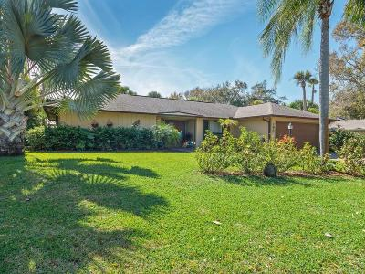 Vero Beach Single Family Home For Sale: 165 Forest Trail