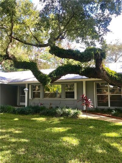 Vero Beach Single Family Home For Sale: 615 Camelia Lane