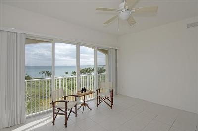 Fort Pierce Condo/Townhouse For Sale: 25 Harbour Isle Drive #304