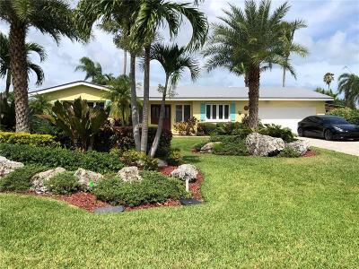 Vero Beach Single Family Home For Sale: 14 Dolphin Drive