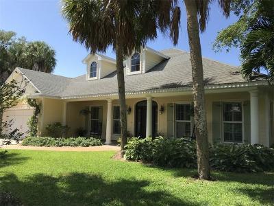 Vero Beach Single Family Home For Sale: 615 Iris Lane