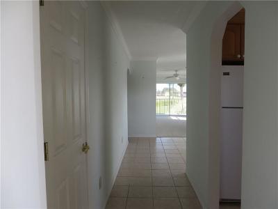Vero Beach Condo/Townhouse For Sale: 20 Pine Arbor Lane #201