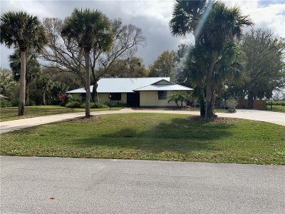 Vero Beach Single Family Home For Sale: 7411 16th Manor