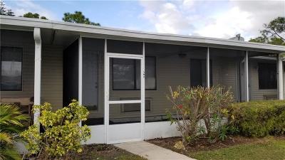 Vero Beach Condo/Townhouse For Sale: 502 7th Place #502