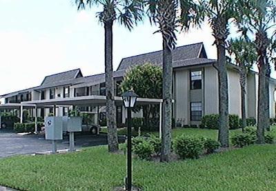 Vero Beach Condo/Townhouse For Sale: 46 Plantation Drive #106