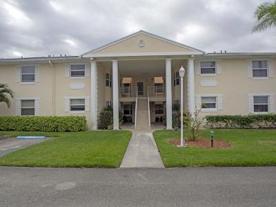 Vero Beach Condo/Townhouse For Sale: 347 Grove Isle Circle #347
