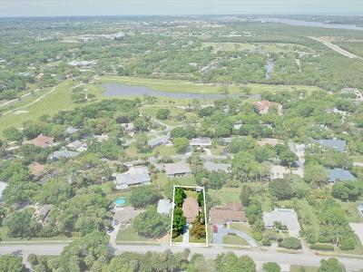 Vero Beach Single Family Home For Sale: 670 Royal Palm Place