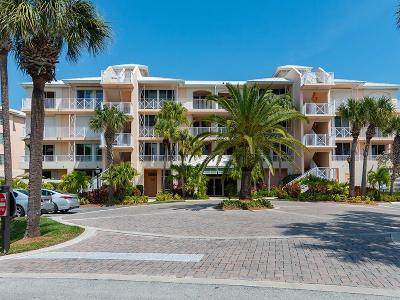 Vero Beach, Indian River Shores, Melbourne Beach, Melbourne, Sebastian, Palm Bay, Orchid Island, Micco, Indialantic, Satellite Beach Condo/Townhouse For Sale: 8866 Sea Oaks Way #207