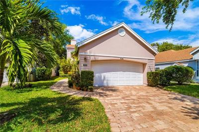 Vero Beach, Indian River Shores, Melbourne Beach, Melbourne, Sebastian, Palm Bay, Orchid Island, Micco, Indialantic, Satellite Beach Single Family Home For Sale: 8837 Lakeside Circle