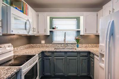 Vero Beach Condo/Townhouse For Sale: 37 Vista Gardens Trail #207