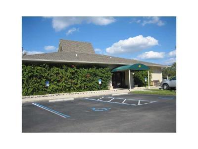 Vero Beach Condo/Townhouse For Sale: 47 Plantation Drive #105