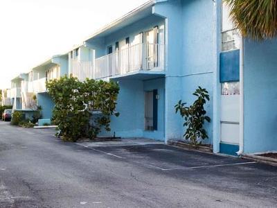 Vero Beach Condo/Townhouse For Sale: 1555 14th Avenue #115