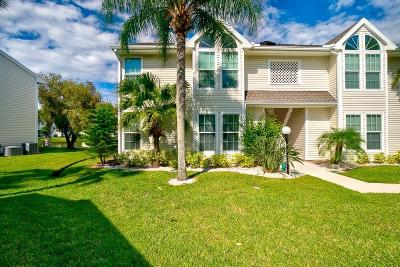 Vero Beach Condo/Townhouse For Sale: 1930 Westminster Circle #11-1