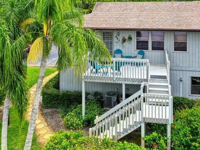 Vero Beach Condo/Townhouse For Sale: 605 Timber Ridge Trail #202