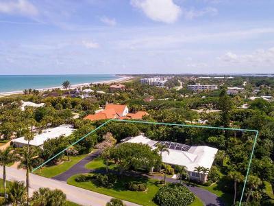 Vero Beach Single Family Home For Sale: 920 Greenway Lane