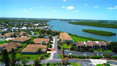 Hutchinson Island Single Family Home For Sale: 3217 Lakeview Circle #B