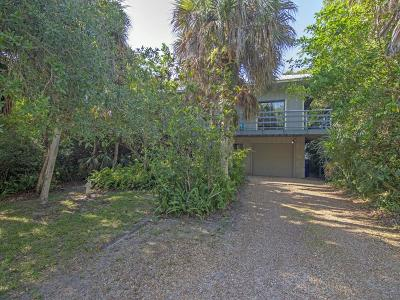 Vero Beach Single Family Home For Sale: 1951 Barefoot Place