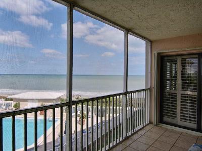 Vero Beach Condo/Townhouse For Sale: 8830 Sea Oaks Way #202