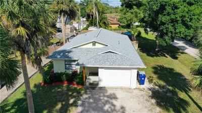 Vero Beach Single Family Home For Sale: 684 SW 31st Avenue
