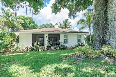 Vero Beach Single Family Home For Sale: 2845 Country Club Drive