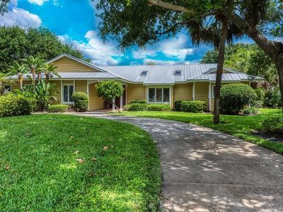 Vero Beach Single Family Home For Sale: 2160 Seagrape Drive