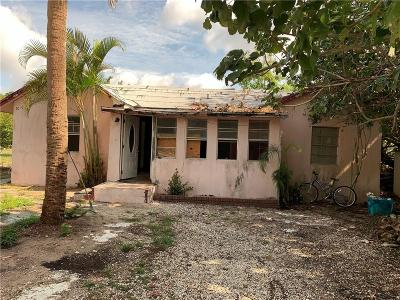 Vero Beach Single Family Home For Sale: 1050 10th Place