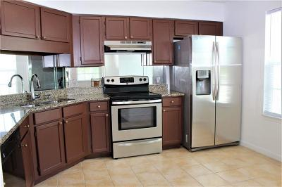 Vero Beach Condo/Townhouse For Sale: 1924 Westminster Circle #2