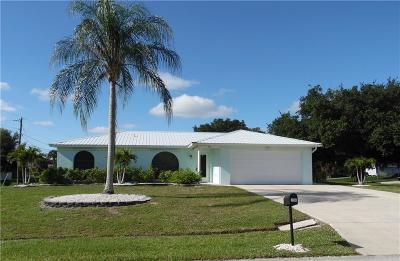 Sebastian Single Family Home For Sale: 794 Bayfront Terrace