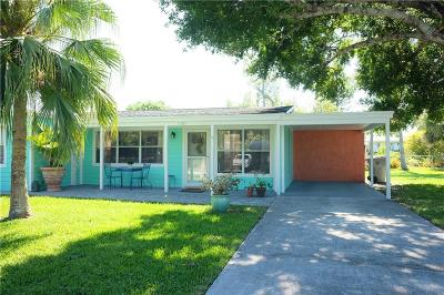 Vero Beach FL Multi Family Home For Sale: $250,000