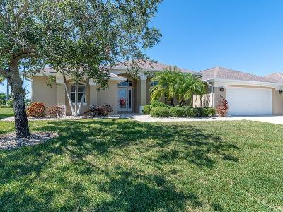 Vero Beach, Indian River Shores, Melbourne Beach, Melbourne, Sebastian, Palm Bay, Orchid Island, Micco, Indialantic, Satellite Beach Single Family Home For Sale: 695 SW Alexandra Avenue