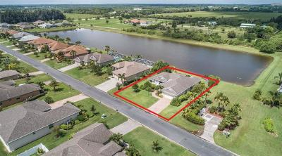 Vero Beach, Indian River Shores, Melbourne Beach, Melbourne, Sebastian, Palm Bay, Orchid Island, Micco, Indialantic, Satellite Beach Single Family Home For Sale: 1075 Southlakes Way