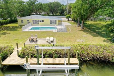 Vero Beach Single Family Home For Sale: 627 Causeway Boulevard