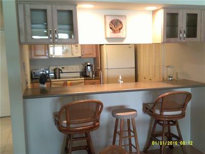 Vero Beach Condo/Townhouse For Sale: 43 Plantation Drive #101