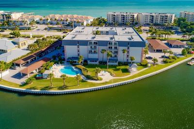 Vero Beach, Indian River Shores, Melbourne Beach, Melbourne, Sebastian, Palm Bay, Orchid Island, Micco, Indialantic, Satellite Beach Condo/Townhouse For Sale: 4601 Highway A1a #204