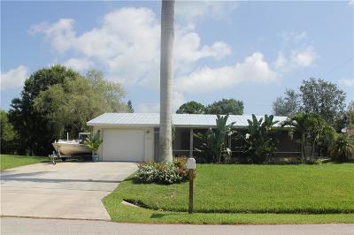 Sebastian Single Family Home For Sale: 767 Rolling Hill Drive