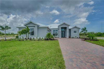 Vero Beach Single Family Home For Sale: 1086 SW 2nd Manor