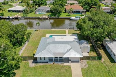 Vero Beach Single Family Home For Sale: 463 SE 21st Street