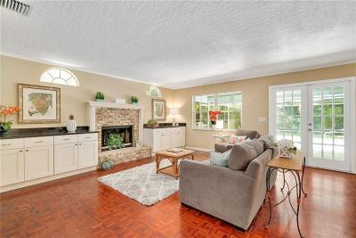 Vero Beach Single Family Home For Sale: 713 Royal Palm Place