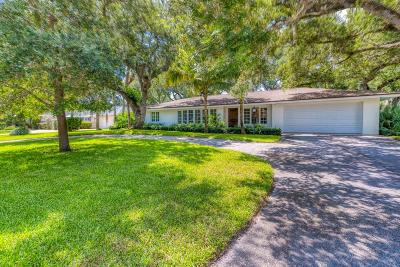 Vero Beach Single Family Home For Sale: 526 Honeysuckle Lane