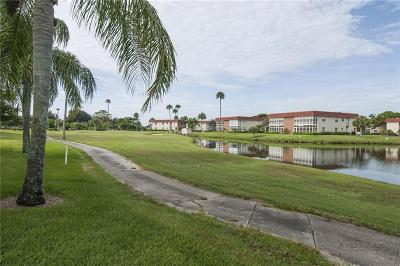 Vero Beach Condo/Townhouse For Sale: 76 Royal Oak Drive #204