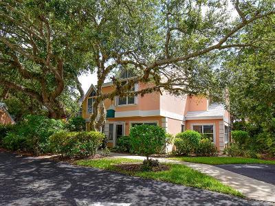 Vero Beach Condo/Townhouse For Sale: 1502 Coral Oak Lane #1301