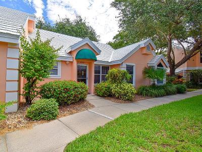 Vero Beach Condo/Townhouse For Sale: 1512 Coral Oak Lane #1401