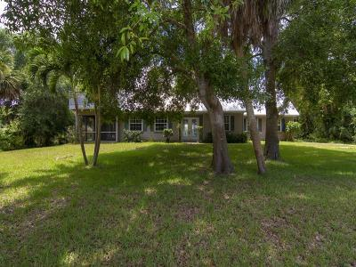 Vero Beach Single Family Home For Sale: 525 SW 32nd Avenue