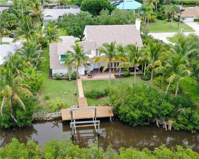 Vero Beach, Indian River Shores, Melbourne Beach, Melbourne, Sebastian, Palm Bay, Orchid Island, Micco, Indialantic, Satellite Beach Single Family Home For Sale: 435 SE 12th Place