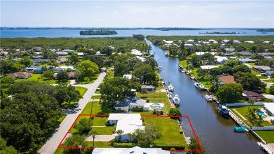 Vero Beach, Indian River Shores, Melbourne Beach, Melbourne, Sebastian, Palm Bay, Orchid Island, Micco, Indialantic, Satellite Beach Single Family Home For Sale: 423 SE 21st Street