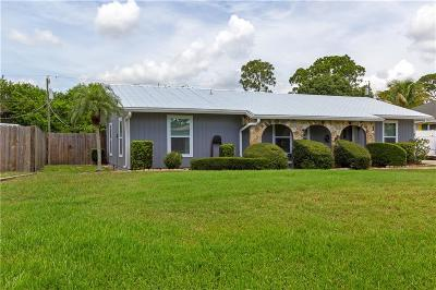 Vero Beach Single Family Home For Sale: 131 11th Court