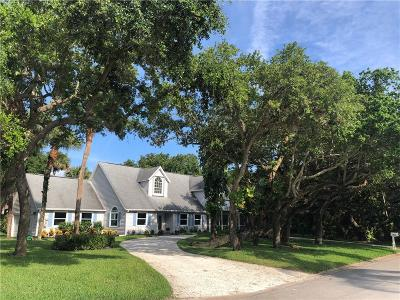 Vero Beach Single Family Home For Sale: 1460 Club Drive