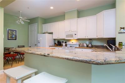 Vero Beach Condo/Townhouse For Sale: 2340 SW Water Oak Court #223