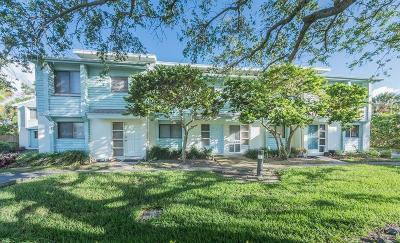 Vero Beach Condo/Townhouse For Sale: 917 Coquina Lane #A-1
