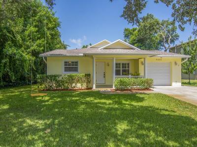 Vero Beach Single Family Home For Sale: 9425 Frangipani Drive